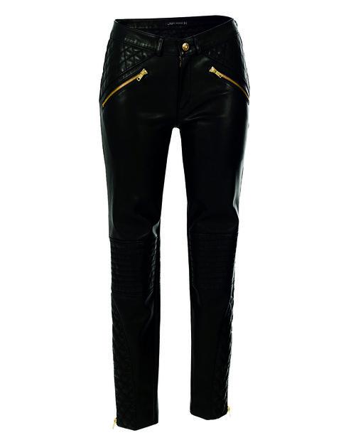 Clothing, Trousers, Denim, Pocket, Jeans, Textile, Standing, Style, Waist, Fashion design,