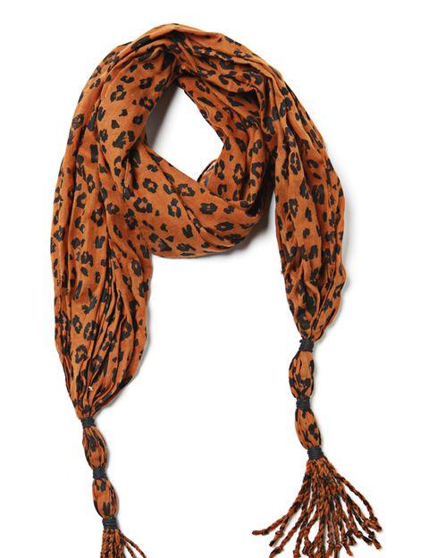Orange, Pattern, Style, Amber, Fashion, Neck, Craft, Creative arts, Design, Body jewelry,