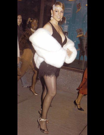 Human, Leg, Joint, Fashion, Stocking, Thigh, Fur, Tights, See-through clothing, Foot,