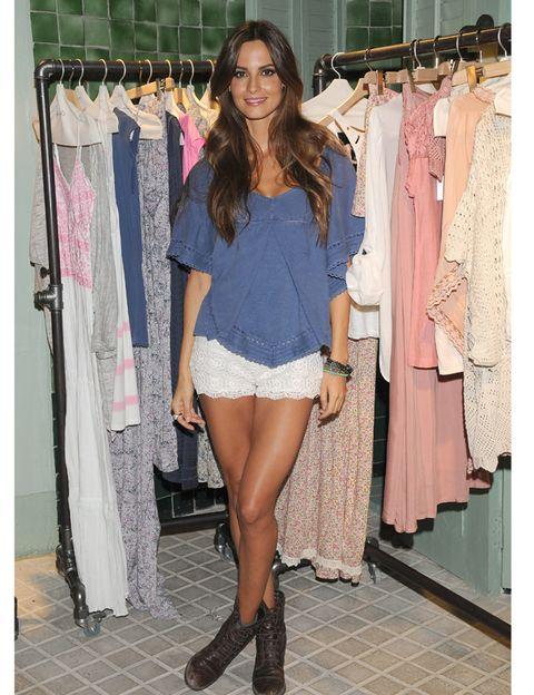 Clothing, Human leg, Textile, Joint, Style, Clothes hanger, Fashion, Street fashion, Thigh, Waist,