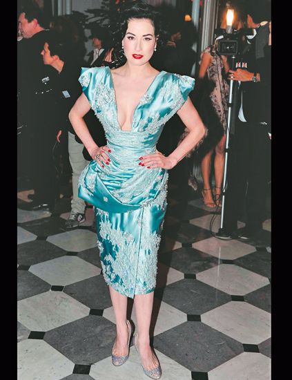 Clothing, Leg, Shoulder, Dress, Joint, Style, One-piece garment, Fashion, Neck, Teal,