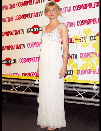 Shoulder, Dress, Eyelash, Fashion model, Fashion, Lipstick, One-piece garment, Gown, Model, Day dress,