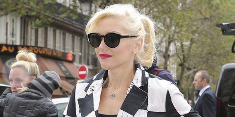 Eyewear, Glasses, Vision care, Sunglasses, Outerwear, Coat, Bag, Style, Street fashion, Fashion accessory,