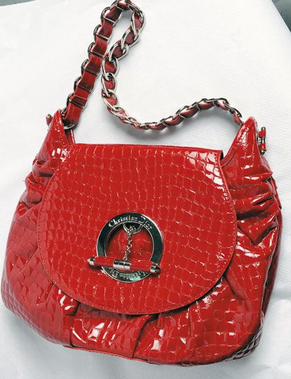 Product, Red, Pattern, White, Bag, Fashion accessory, Carmine, Shoulder bag, Chain, Design,