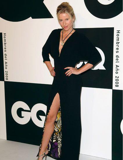 Clothing, Human, Shoulder, Formal wear, Style, Fashion, Blazer, Fashion model, One-piece garment, High heels,