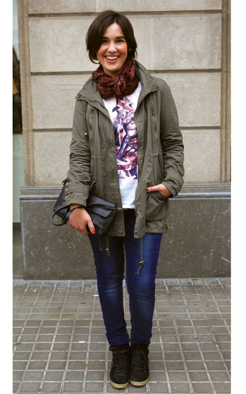 Clothing, Sleeve, Jacket, Textile, Outerwear, Style, Coat, Street fashion, Fashion accessory, Purple,