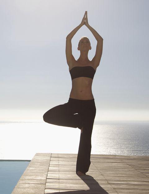 Human body, Shoulder, Human leg, Waist, Elbow, Joint, Exercise, Standing, Active pants, Abdomen,