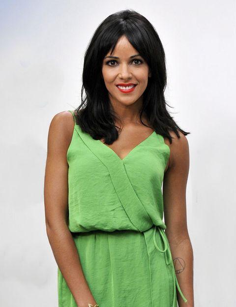 Arm, Green, Shoulder, Dress, Joint, One-piece garment, Day dress, Fashion, Waist, Teal,