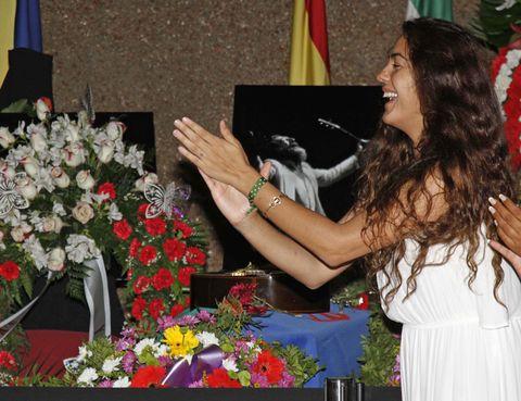 Petal, Bouquet, Flower, Flag, Floristry, Flower Arranging, Cut flowers, Floral design, Artificial flower, Ceremony,