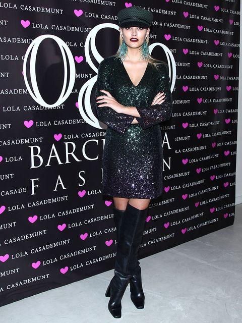 Human, Dress, Pink, Magenta, Pattern, Style, Purple, Violet, Fashion, Black,