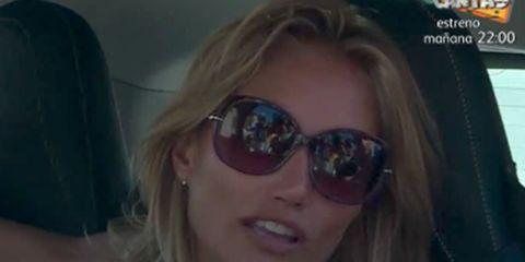 Eyewear, Sunglasses, Face, Hair, Glasses, Cool, Facial expression, Lip, Eyebrow, Blond,