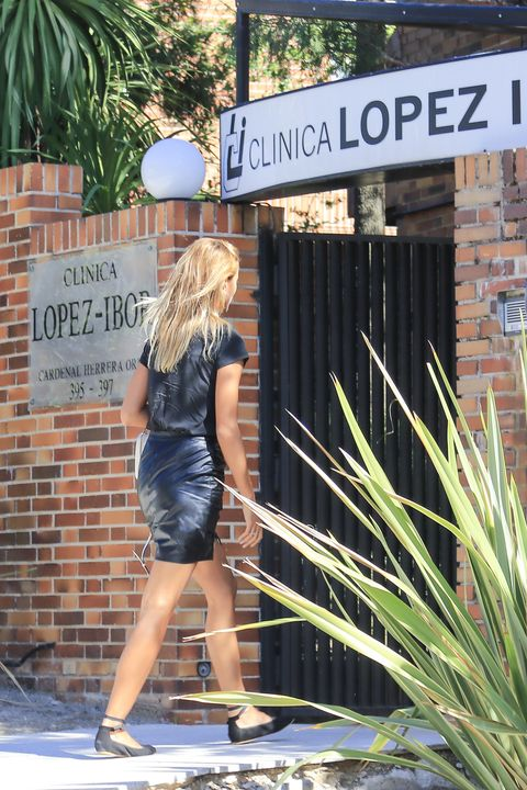Snapshot, Fashion, Blond, Footwear, Leg, Vacation, Street fashion, Dress, Shorts, Street,