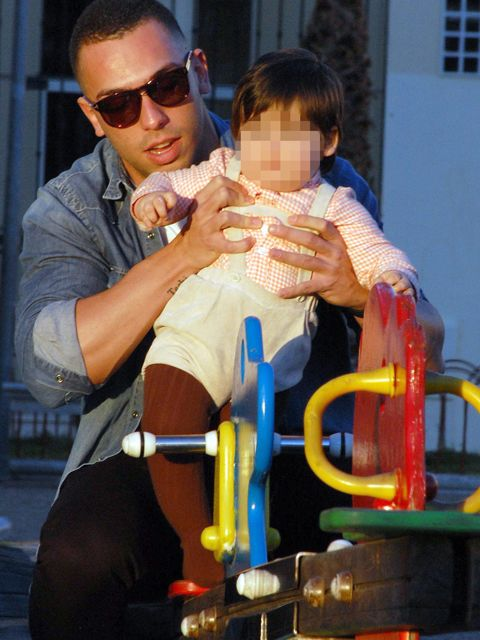 Eyewear, Arm, Vision care, Human body, Sunglasses, Hand, Goggles, Watch, Baby, Baby Products,