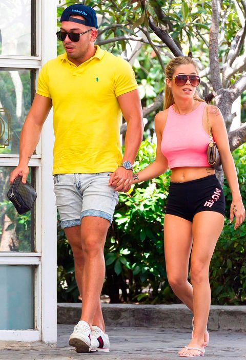 Shorts, Sunglasses, Yellow, Vacation, Walking, Muscle, Leg, Eyewear, Thigh, Jogging,