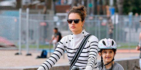 Eyewear, Wheel, Vision care, Glasses, Bicycle handlebar, Bicycle, Helmet, Bicycle tire, Sunglasses, Goggles,