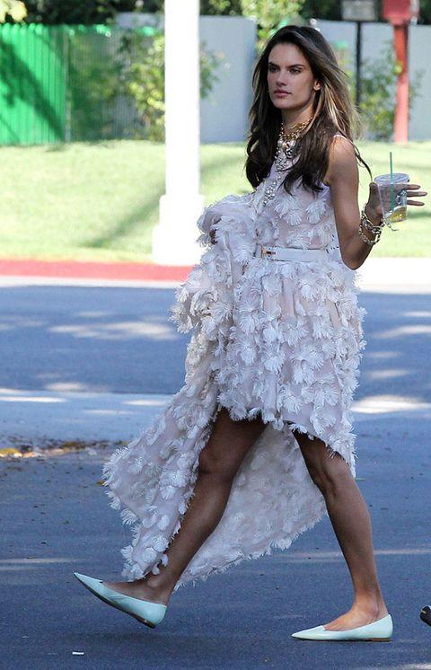 Clothing, Leg, Sleeve, Dress, Human leg, Shoulder, Shoe, One-piece garment, Summer, Street fashion,