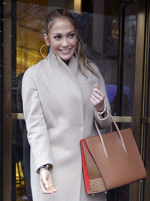 Outerwear, Bag, Fashion accessory, Beauty, Street fashion, Fashion, Shoulder bag, Luggage and bags, Fashion model, Blond,