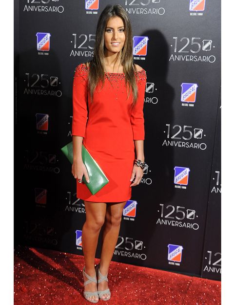 Dress, Shoulder, Red, Flooring, Premiere, Style, One-piece garment, Carpet, Cocktail dress, Fashion,