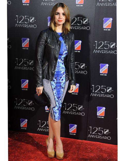 Outerwear, Style, Electric blue, Fashion model, Fashion, Jacket, Cobalt blue, Waist, Carpet, Long hair,