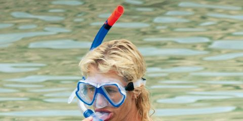 Face, Personal protective equipment, Swimming pool, Swimmer, Individual sports, Diving equipment, Chest, Goggles, Coquelicot, Diving mask,