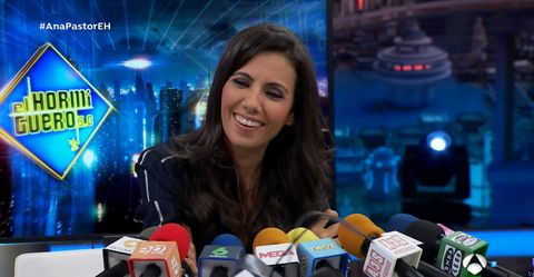 Television presenter, Newsreader, News, Newscaster, Journalist,