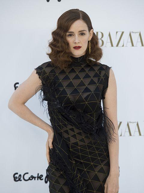 Fashion model, Clothing, Hair, Dress, Fashion, Shoulder, Hairstyle, Beauty, Cocktail dress, Little black dress,