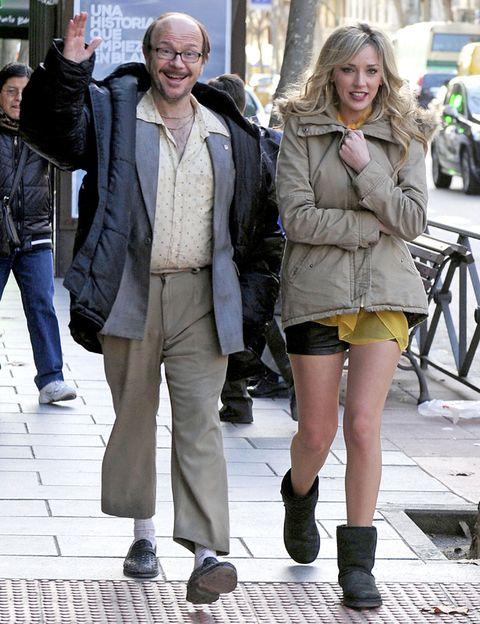 Clothing, Hair, Footwear, Leg, Jacket, Trousers, Coat, Textile, Outerwear, Denim,