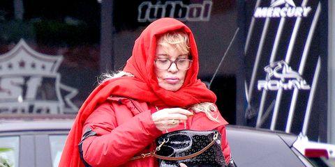 Winter, Jacket, Street fashion, Bag, Stole, Hood, Shawl, Scarf, Fur, Top,