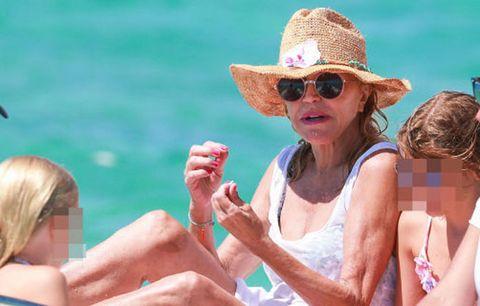 People on beach, Vacation, Sun tanning, Summer, Fun, Spring break, Sun hat, Sunglasses, Leisure, Eyewear,