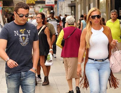 Clothing, Eyewear, Vision care, Leg, Glasses, Trousers, Denim, Jeans, Shirt, Sunglasses,
