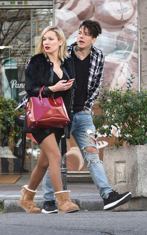 Clothing, Footwear, Leg, Trousers, Jeans, Shirt, Denim, Outerwear, Bag, Style,