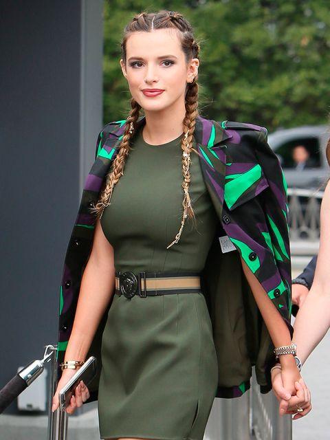 Hand, Fashion accessory, Style, Jewellery, Fashion, Waist, Bag, Street fashion, Earrings, Trunk,