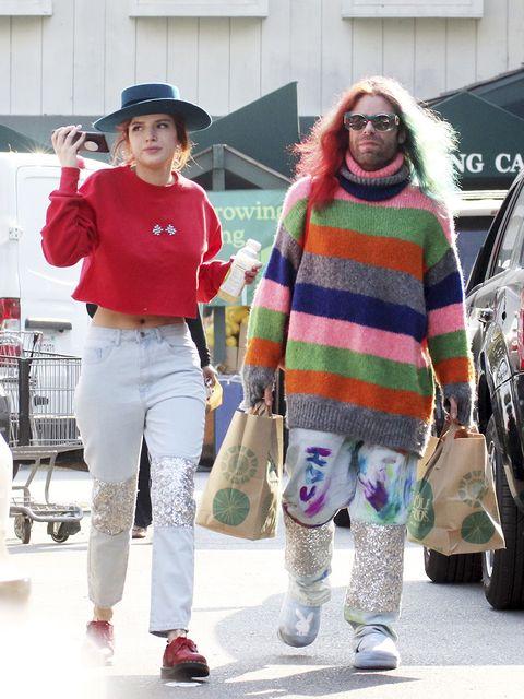 People, Street fashion, Fashion, Footwear, Fun, Sportswear, Outerwear, Jeans, T-shirt, Eyewear,