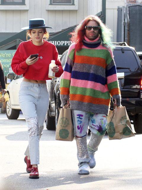 Street fashion, People, Fashion, Clothing, Eyewear, Sunglasses, Snapshot, Footwear, Pink, Cool,