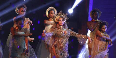 Performance, Entertainment, Performing arts, Dancer, Performance art, Event, Stage, Dance, Fashion, Public event,