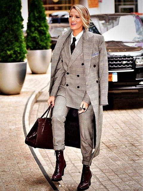 Clothing, Street fashion, Suit, Outerwear, Fashion, Blazer, Formal wear, Footwear, Snapshot, Coat,