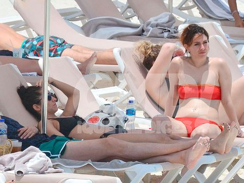Brassiere, Summer, Undergarment, Bikini, Thigh, Sun tanning, Lingerie, Chest, Abdomen, Swimwear,