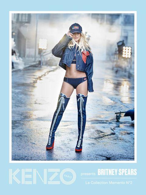 Sleeve, Human leg, Textile, Outerwear, Street fashion, Knee, Boot, Thigh, Fashion model, Tights,