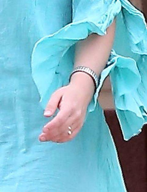 Blue, Finger, Aqua, Wrist, Turquoise, Teal, Electric blue, Azure, Nail, Jewellery,