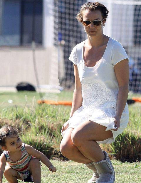 Clothing, Eyewear, Glasses, Human body, Sunglasses, Summer, Goggles, Street fashion, Sitting, Baby & toddler clothing,