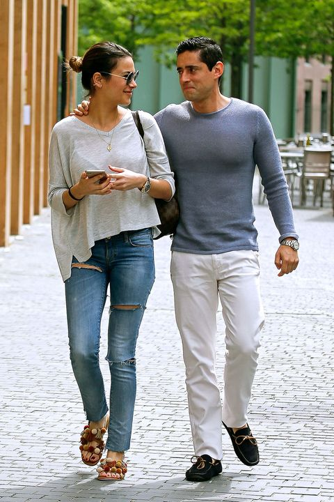 Clothing, Footwear, Leg, Trousers, Denim, Shoulder, Jeans, Textile, Joint, Outerwear,