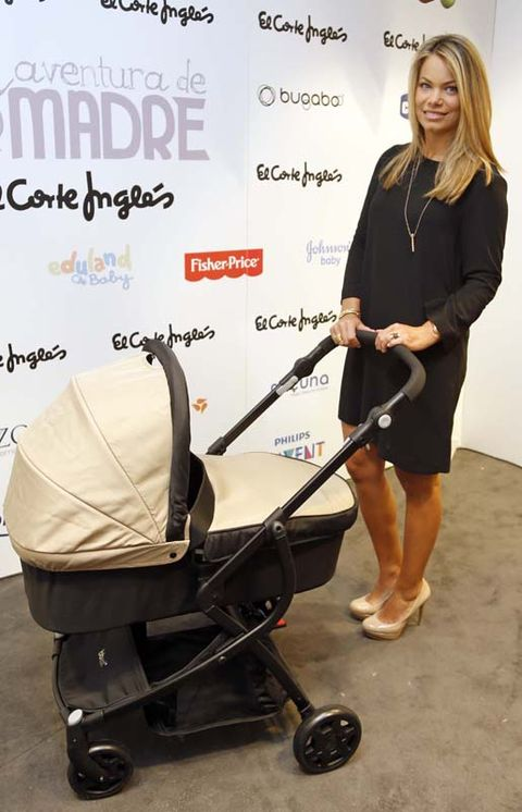 Product, Baby carriage, Baby Products, Rolling, Foot, Cleanliness,
