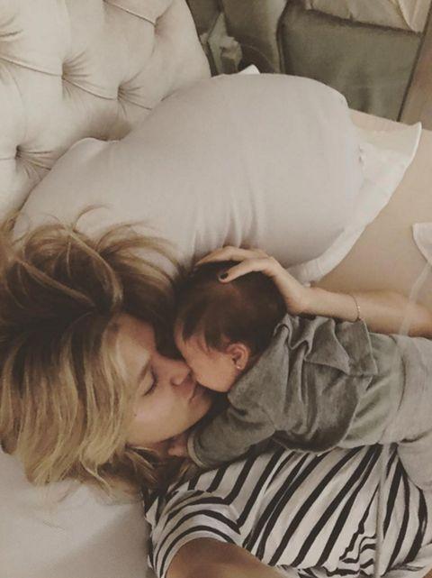 Comfort, Mammal, Interaction, Love, Nap, Sleep, Romance, Kiss, Linens, Hug,