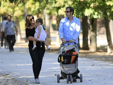 Eyewear, Product, Baby carriage, Sunglasses, People in nature, Baby Products, Interaction, Street fashion, Goggles, Walking,