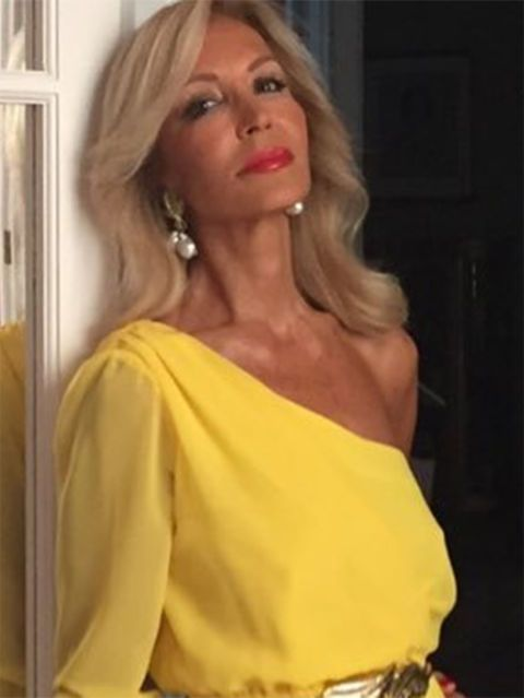 Hair, Yellow, Clothing, Shoulder, Blond, Beauty, Hairstyle, Dress, Lip, Fashion,
