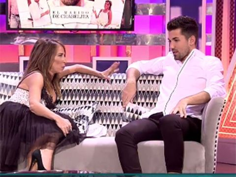 Leg, Television program, Thigh, Fun, Interaction, Event, Human body, Mouth, Leisure, Performance,