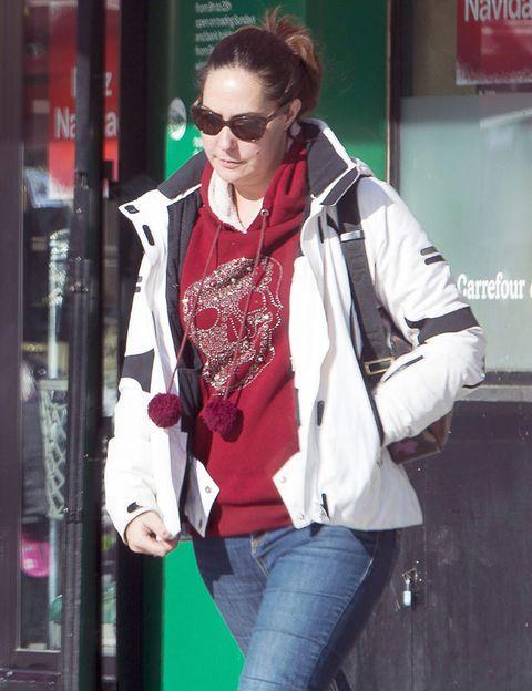 Eyewear, Vision care, Denim, Sunglasses, Jacket, Textile, Jeans, Outerwear, Bag, Coat,