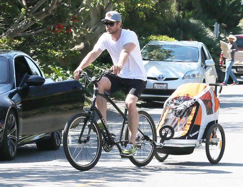 Tire, Wheel, Bicycle wheel, Bicycle tire, Bicycle wheel rim, Cap, Bicycle frame, Land vehicle, Bicycle part, Vehicle,