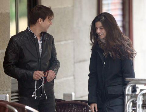 Product, Jacket, Black hair, Conversation, Street fashion, Brown hair, Long hair, Top,