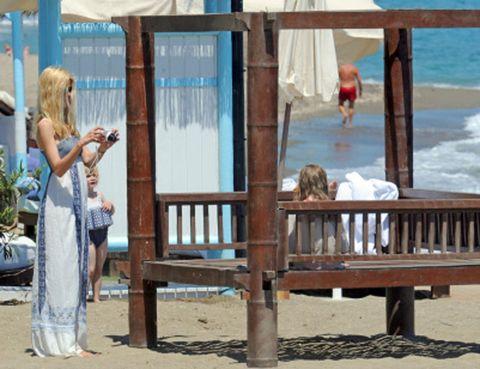 Leisure, Summer, Vacation, Outdoor furniture, Beach, Outdoor bench, Holiday, Bench, Shore, Waist,